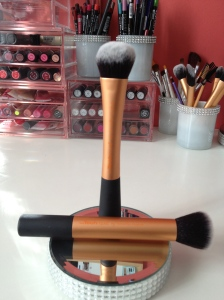 Real Techniques Expert Face Brush (standing) and Buffing Brush!